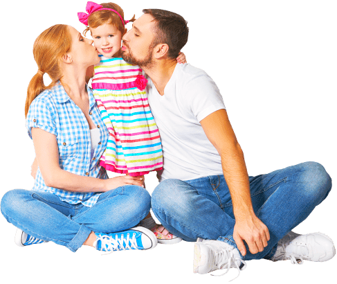 couple kissing their daughter